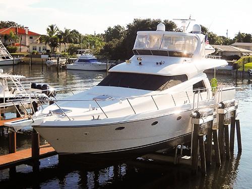Titan Yacht Lifts 1