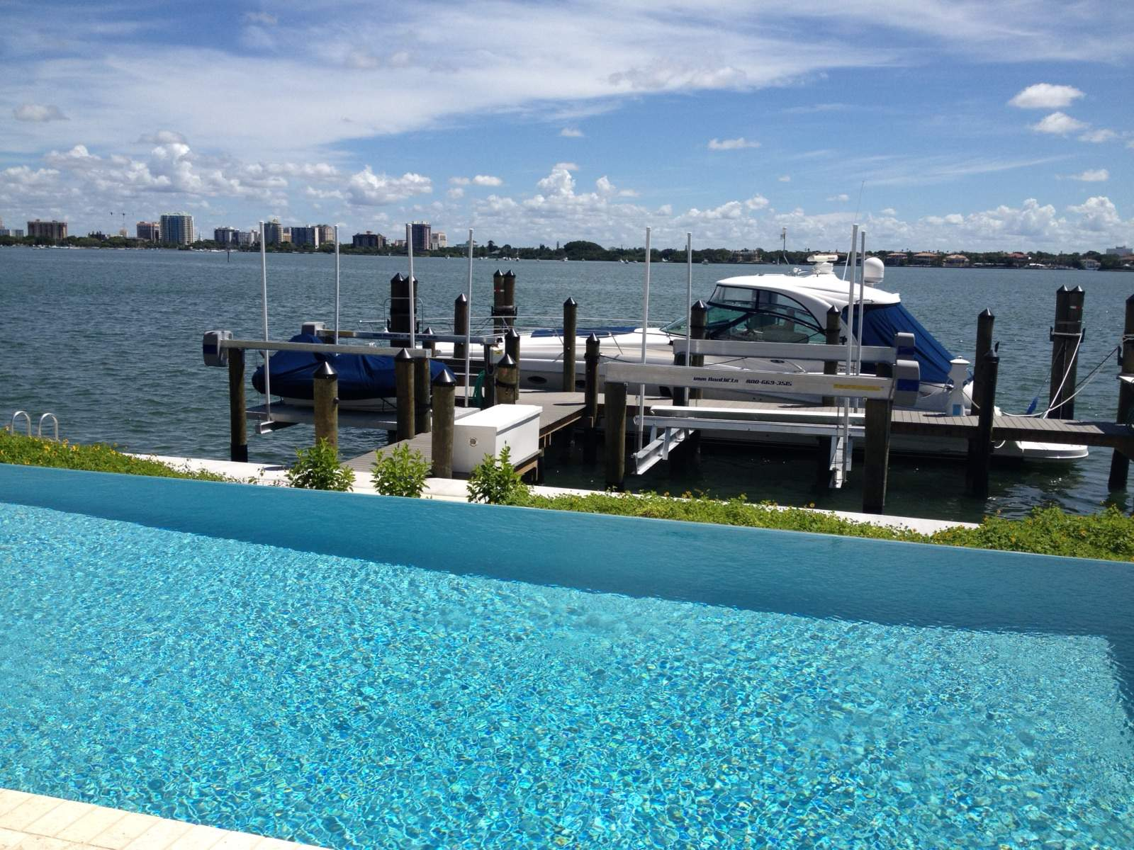 Buying a Boat Lift Direct