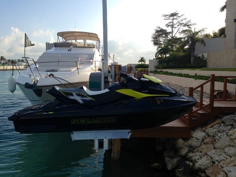 PWC 1500 Personal Watercraft Lift - image  on http://iqboatlifts.com