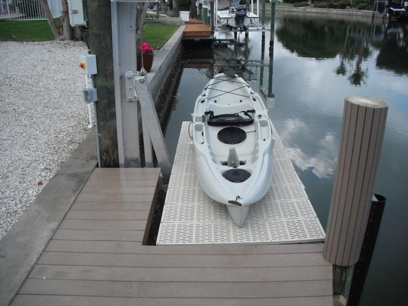 Vintage Boat Lift Styles - image V3-Pile-mount-Kayak on http://iqboatlifts.com
