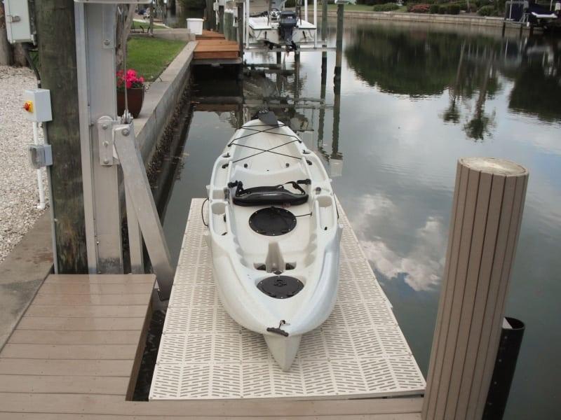 PWC 3000 Lift Jetski Lift - image kayak on http://iqboatlifts.com