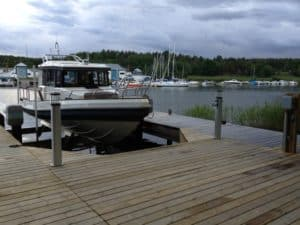 Vertical Lifts Gallery - image sweden-Flexible-300x225 on http://iqboatlifts.com