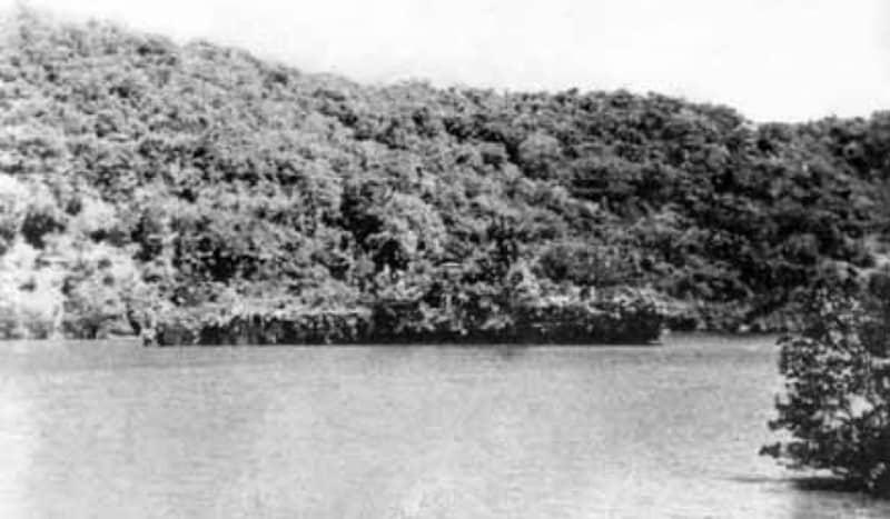 Camouflaged HNLMS Abraham Crijnssen
