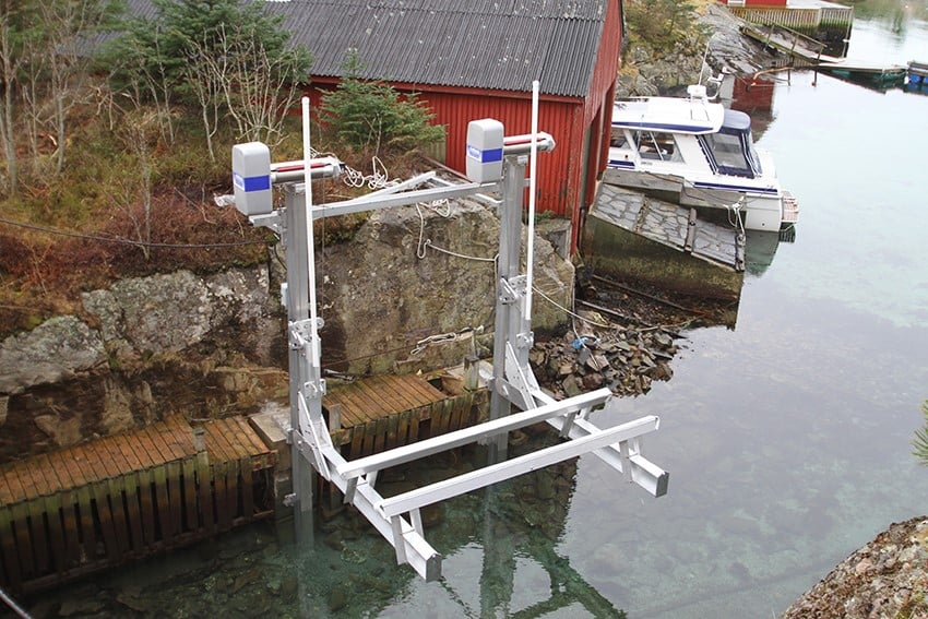 Factors That Affect Your Boat Lift Buying Decision - image boat-lift-imm on http://iqboatlifts.com