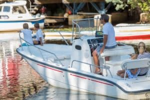 News Archive - image 4-Things-to-Look-for-When-Buying-a-Used-Boat-300x200 on http://iqboatlifts.com